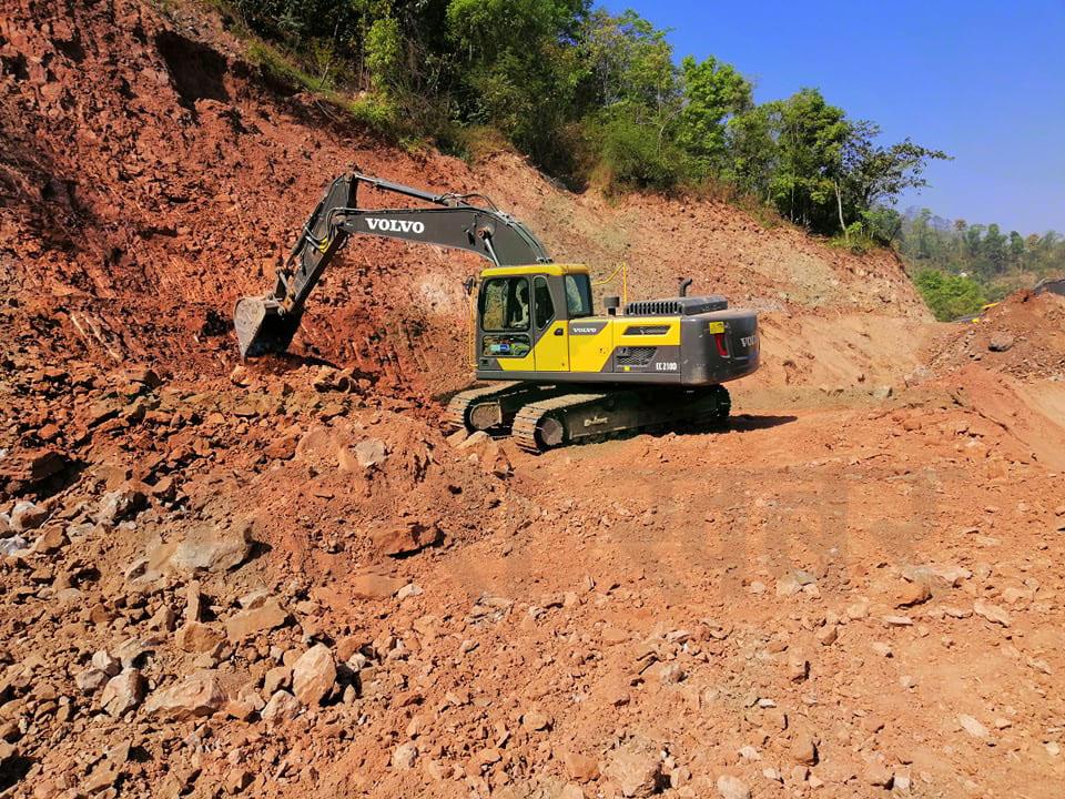 वन क्षेत्रमा नपर्ने १० किलोमिटर सडक क्षेत्रमा भने स्तरवृद्धीको काम लगभग सकिएको सहजपुर–वोगटान सडक आयोजना कार्यालयले जनाएको छ।