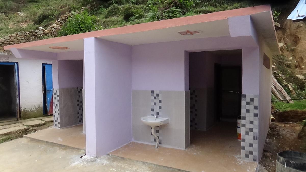 विद्यालयमा पानी, विजुली, इन्टरनेट, शौचालय आदिको समुचित व्यवस्था गरिएको छ।