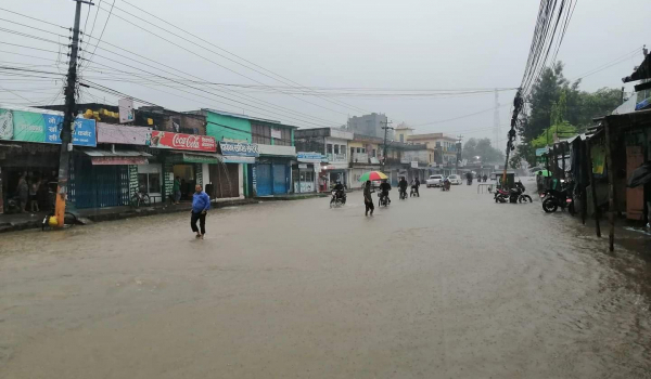 लगातारको वर्षाका कारण सुदूरपश्चिम प्रदेश अस्थायी राजधानी धनगढी जलमग्न भएको छ।