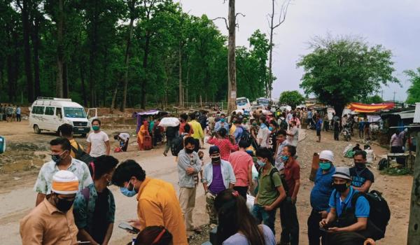 आज पनि कैलालीको त्रिनगर नाकामा उद्धार जारी छ। बर्षा भईरहेपनि स्थानीय प्रशासनले उद्धार कार्य जारी राखेको हो।