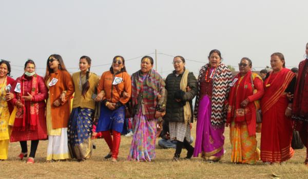 बाजुरेली सेवा समाजको आयोजनामा धनगढीमा मााघी मिलन तथा देउडा कार्यक्रम गरिएको छ ।