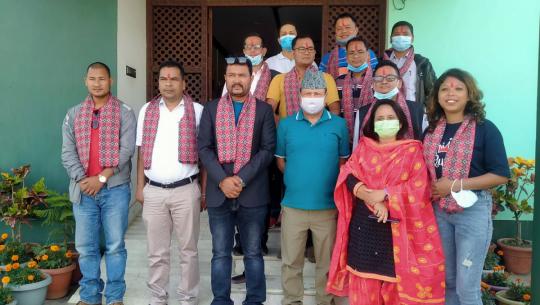दिनेश सञ्चार गृहद्धारा नेपाल पत्रकार महासंघ सुदूरपश्चिम प्रदेश समितिका पदाधिकारीहरूलाई स्वागत तथा सम्मान गरेको छ।