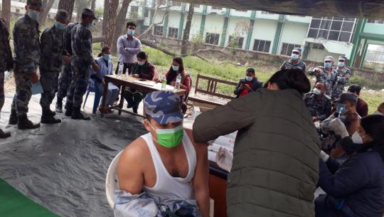 स्वास्थ्य कार्यालय धनगढीमा दोस्रो चरणको पहिलो खोप फागुन २ गतेदेखि ६ गतेसम्म लगाइनेछ।