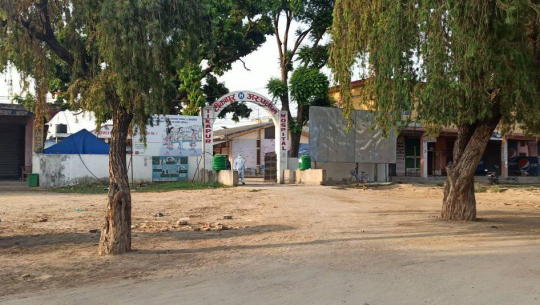 कैलालीको जानकी गाउँपालिकामा तीन जना कोरोना सङ्क्रमित फेला परेपछि अन्य स्थानीय तहले सुरक्षा सतर्कता अपनाएका छन्।
